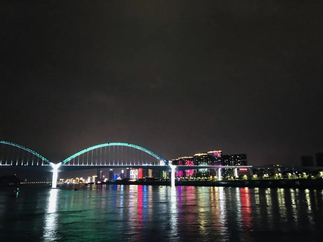 宜昌长江夜游游船中心